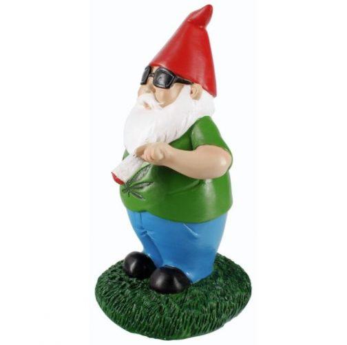 """""""Gerry"""" the Smoking Gnome"""