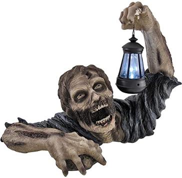 Private Label `Dead Rising` Zombie Holding Lantern Solar Powered Garden Light Lamp